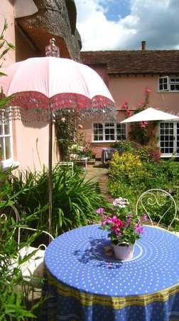 The Pink Cottage Boutique Bed and Breakfast: South Facing Terrace