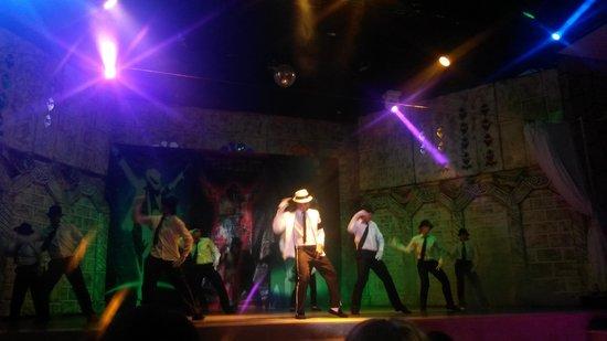 Kervansaray Hotel Kundu: Show