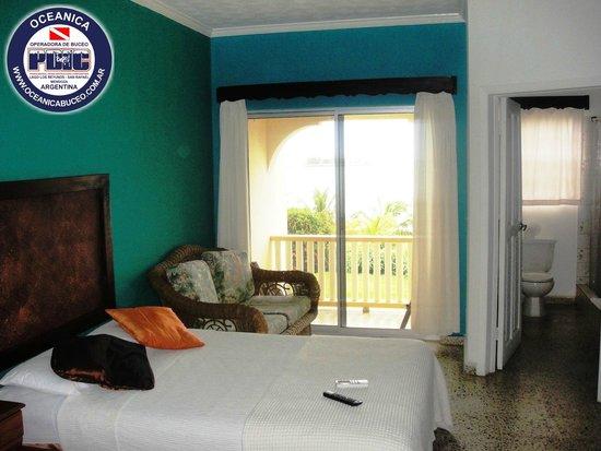 Turquoise Bay Dive & Beach Resort: Habitación