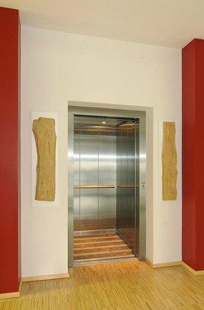Stadtvilla Hotel: Fahrstuhl