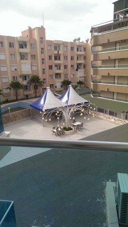 Infinity Beach Hotel: вид из окна номера