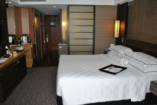 Marina Mandarin Singapore: Room 2132.