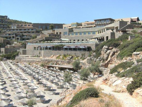 Daios Cove Luxury Resort & Villas: Hotel & Beach.