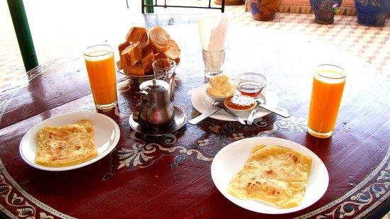 Hotel Imouzzer: Petit déjeuner