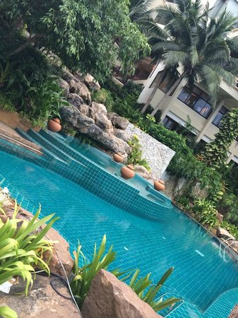 Garden Cliff Resort and Spa: piscine du bas