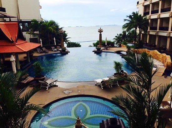 Garden Cliff Resort and Spa: piscine du haut