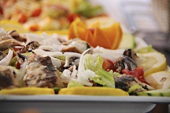 Marconfort Benidorm Suites: Buffet Restaurant