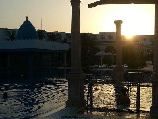 Concorde Hotel Marco Polo : piscina