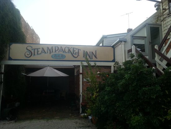 Steampacket Inn: Sign