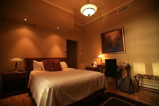 Le Grande-Allee Hotel and Suites: bed
