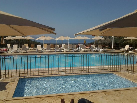 Manas Park Oludeniz Hotel: view from our poolside room
