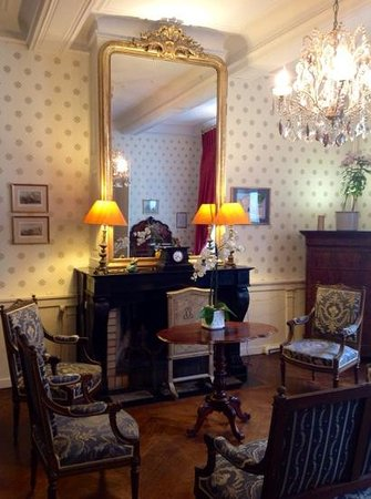 La Maison d'Hotes - La Corne d'Or : Beautiful guest salon