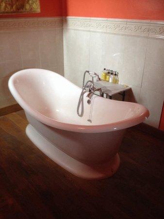 New House Farm: Bathroom