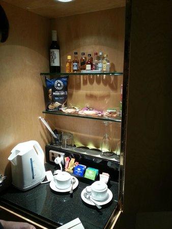 Sofitel Sydney Wentworth : Mini bar offering