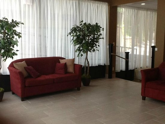 Travelodge Inn & Suites Gatlinburg on the River: Lobby