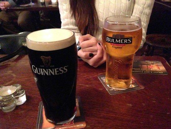 The Brazen Head: Pintas de cerveza