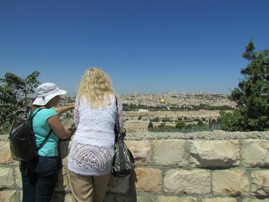 Mount of Olives: Ana showing us the historical landmarks