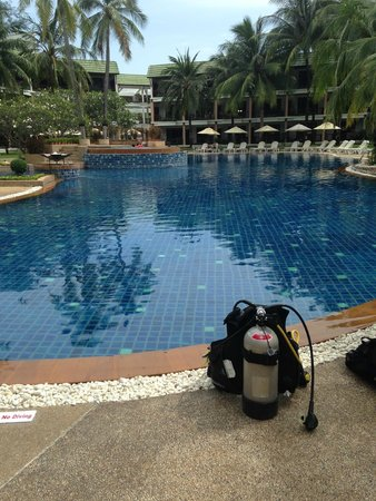 Katathani Phuket Beach Resort : Free Scuba diving try
