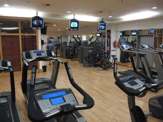 Prague Marriott Hotel : could be one of the best hotel gyms?