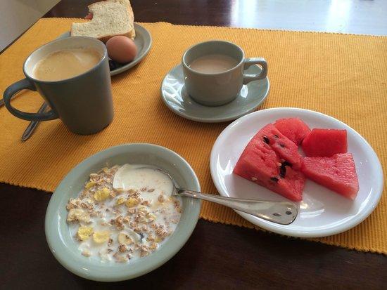 Yria Hotel: Завтрак