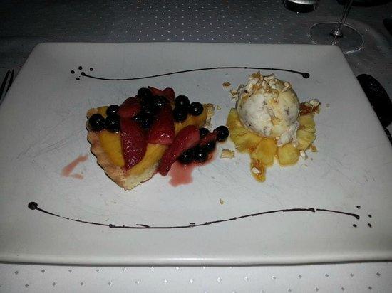 Muraka Restaurant: vegan pumpkin pie with summer fruits & banana ice cream