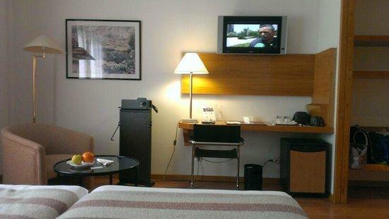 Hotel Vegas Altas: Tele