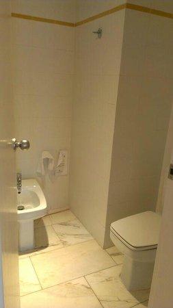 Hotel Vegas Altas: Baño