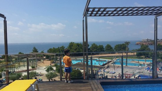 Ohtels Les Oliveres: Vistas desde la piscina de la azotea