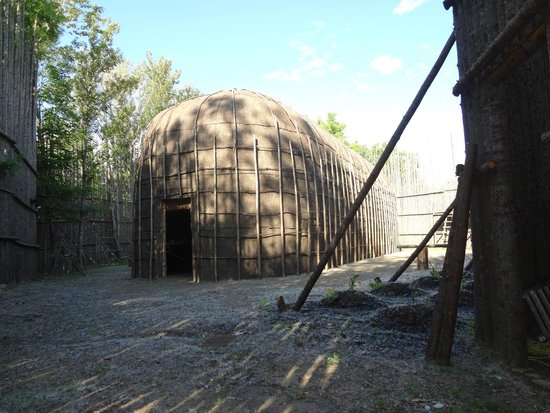 Musee Huron-Wendat: Long House