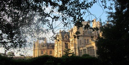 Stoke Rochford Hall: Grand Exterior