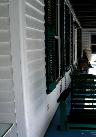 Jarrell 1920 House: The Porch