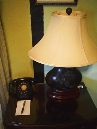 The Lakehouse, Cameron Highlands: Rotary dial phone in the room