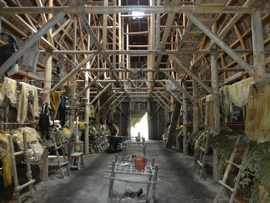 Site Traditionnel Huron: Inside Long House