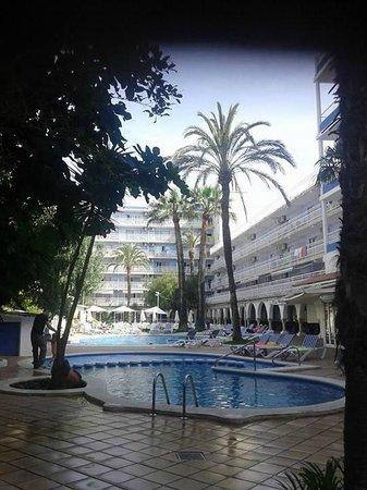 Hotel Apartamentos Solimar : zona piscinas