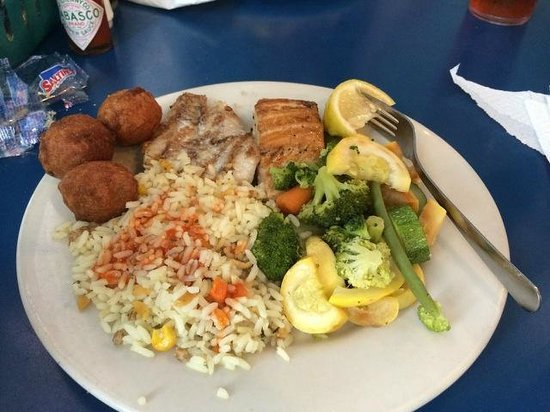 Bimini's Oyster Bar and Seafood Cafe : Mixed Grill (catch of the day) 4 oz salmon, 4 oz grouper, mixed veg, rice and hush puppies