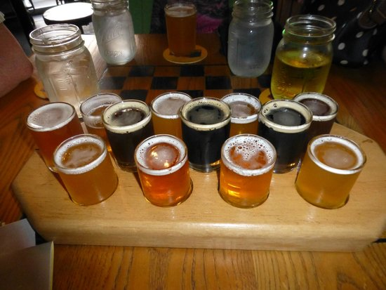 Fort George Brewery + Public House: Beer sampler tray