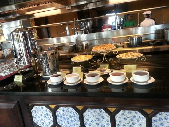 Imperial Hotel: breakfast
