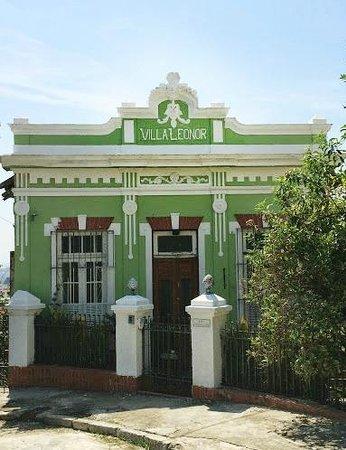 Villa Leonor: Fachada