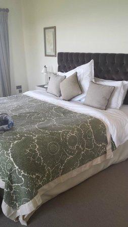 Lewinnick Lodge: Queen size bed