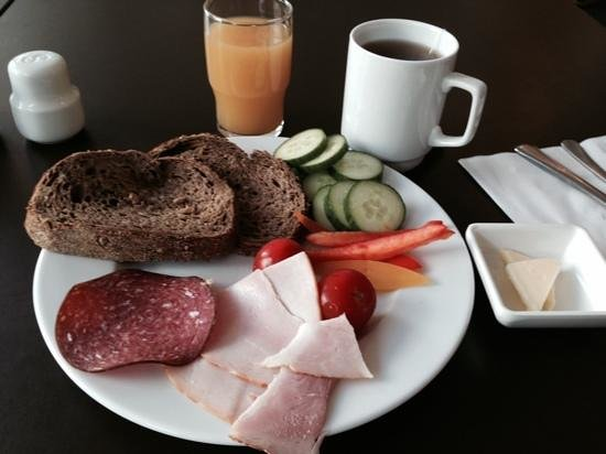 Comwell Kolding: free breakfast buffet