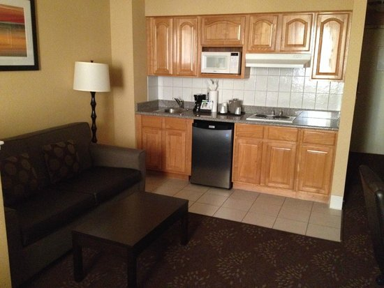 Country Inn & Suites by Carlson San Jose International Arpt: Nice kitchenette
