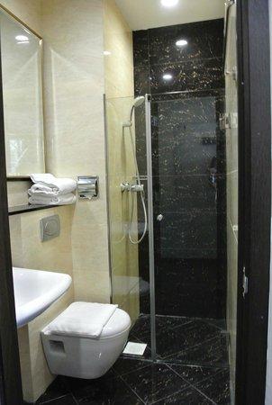 V Hotel Lavender: 水回り