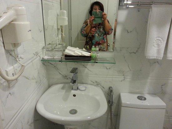Ruby River Hotel: bathroom