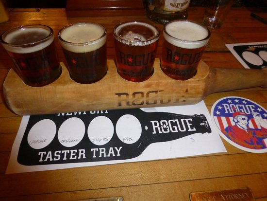 Rogue Ales Bayfront Public House: Sampler Tray