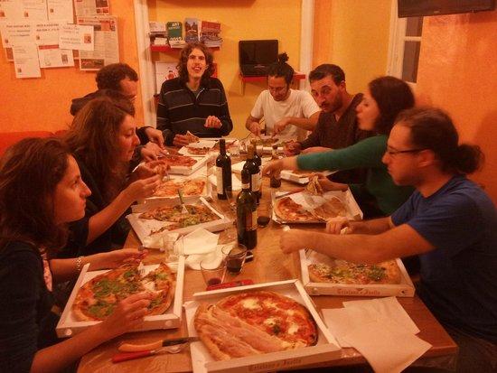 Manena Hostel : Pizza in the best hostel in Genova!