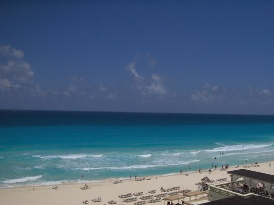 Crown Paradise Club Cancun : The view from my room.