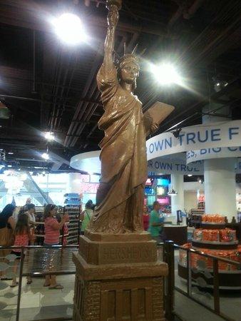 New York - New York Hotel and Casino : Chocolate Statue of Liberty