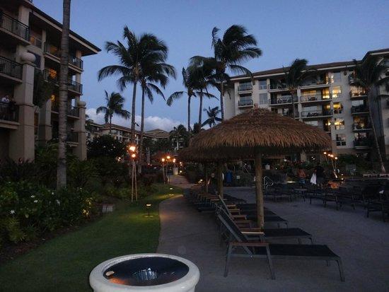 The Westin Kaanapali Ocean Resort Villas: From beach to pool area