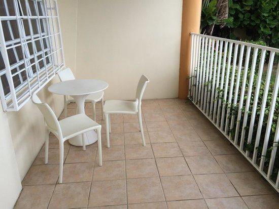 Villa Cofresi Hotel: Terrace in deluxe room