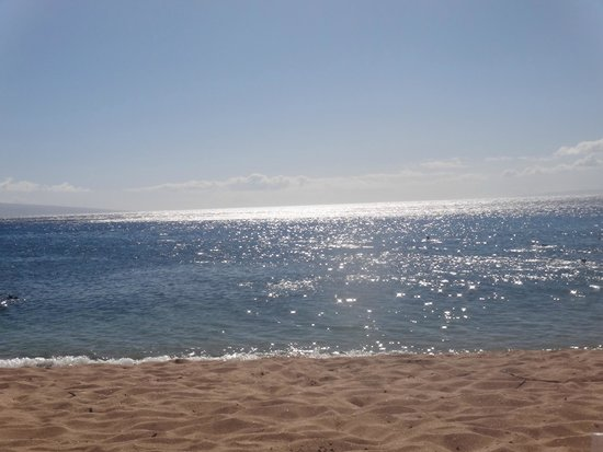 The Westin Kaanapali Ocean Resort Villas: Beach outside Westin